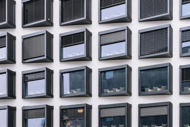 facade-731304_1280