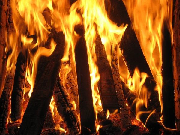 fireplace-821453_1280